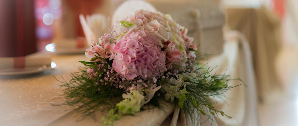 Aranjament floral botez fata